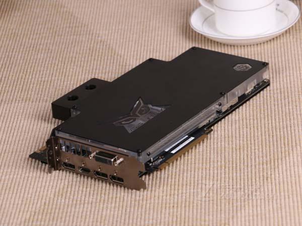 Корпорация Asus выпустила новую видеокарту STRIX-980TI-P-GAMING-ICE